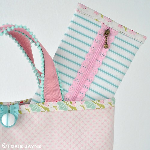 Pretty pencil case tutorial 1 | by toriejayne