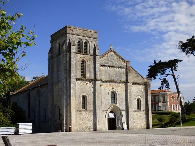 Basilique Notre-Dame-de-la-fin-des-Terres...Soulac sur Mer