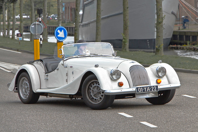 Morgan Plus 8 1976 (4710)