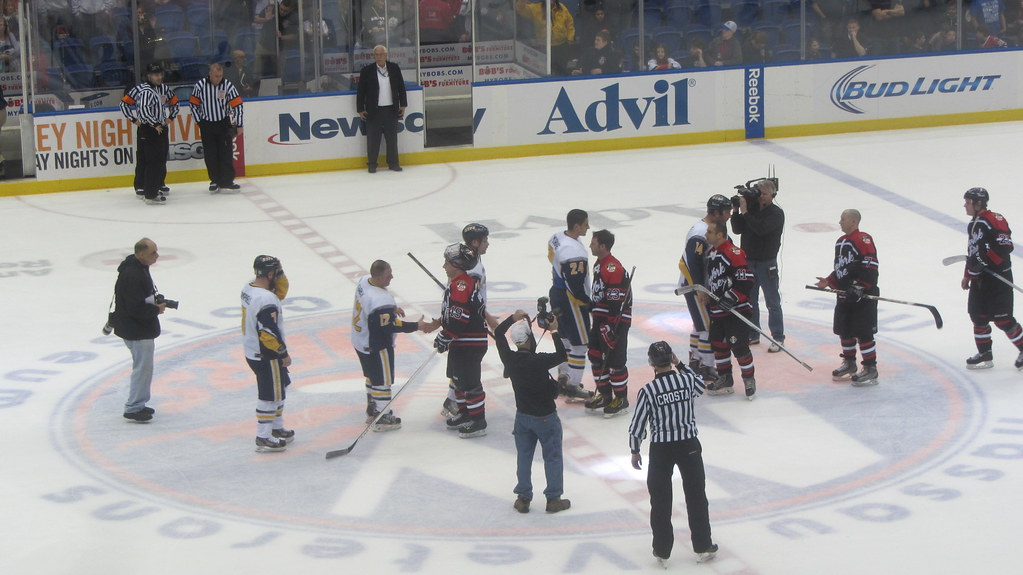 25+ Fdny Nypd Hockey Game  Pictures