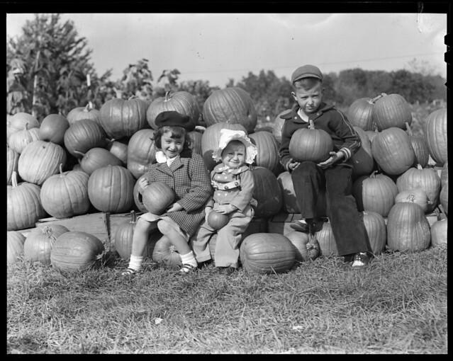 Chuck, Sue and Dyan at pumpkin patch
