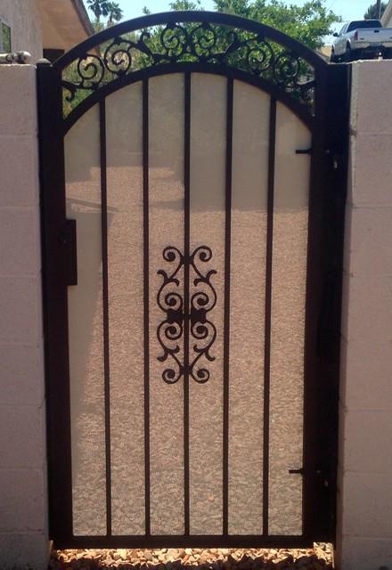 Double Arch Single Gate