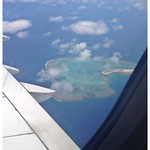 ナガンヌ島 View of Nagannu Island from seat 15F aboard TransAsia Airways (復興航空) flight GE681 en route from Naha Airport (那覇空港) to Táiwān Táoyuán International Airport (臺灣桃園國際機場)