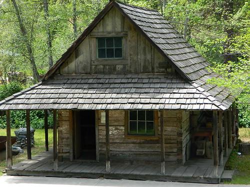 Pioneer Cabin in Weaverville