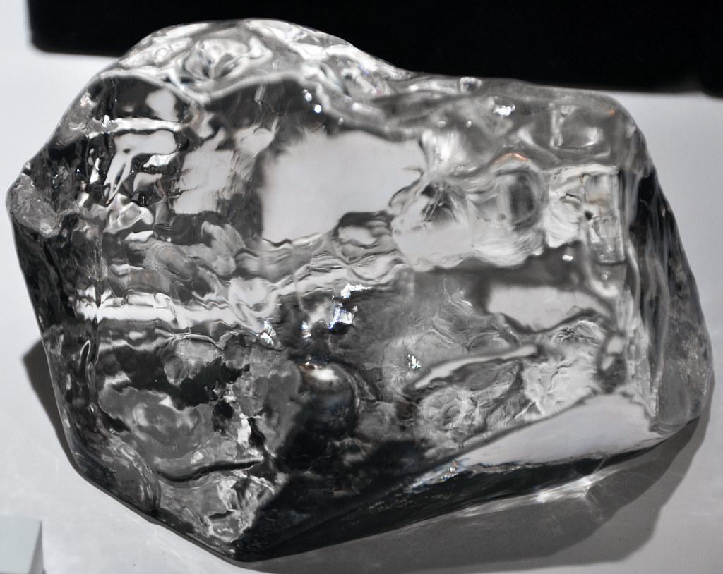 Cullinan Diamond (replica) (Premier Kimberlite Pipe, Precambrian; Premier Mine, South Africa) 1