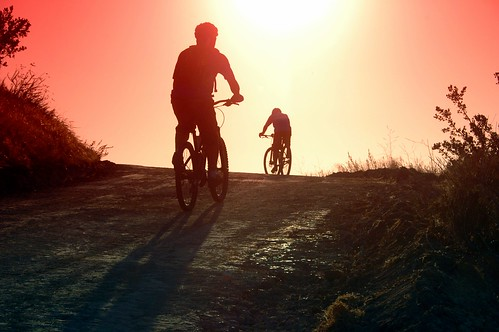 california sunset sun bike bicycle digital photo spring afternoon mountainbiker foothillranch whitingranchwildernesspark trailbiker