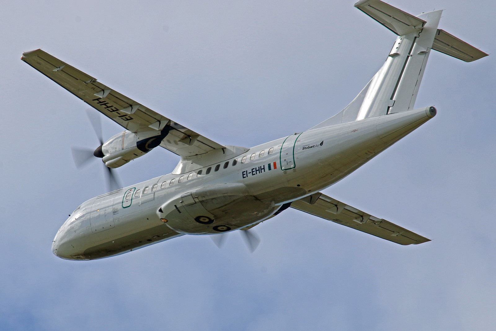 EI-EHH STOBART AIR ATR-42 NEWCASTLE AIRPORT