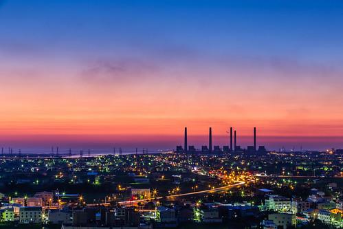 sunset night canon dusk 夕陽 taichung powerplant 台中 6d 夜色 落日 longjing 小白兔 龍井 台中電廠 火力發電廠 大肚山 ef70200mmf28lisiiusm 南崗路