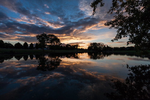 sunset reflection clouds oregon canon portland mirrorpond efs1022mm canon40d claremontgolfcourse
