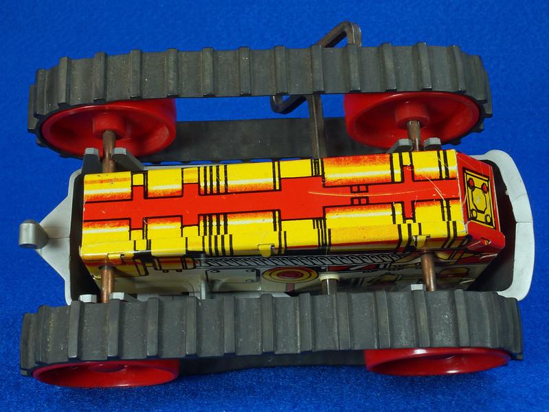 RD9481 Vintage Marx Toy Diesel Tractor Wind Up DSC06249