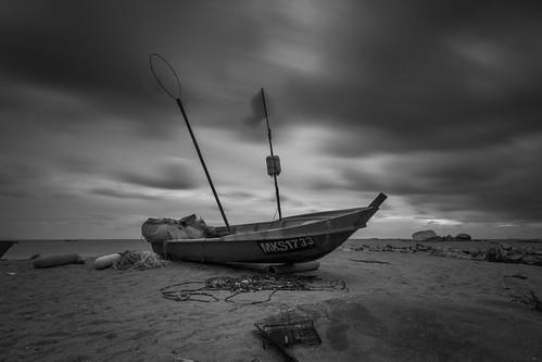 longexposure sunset sea bw motion water clouds landscape boat alone sony malaysia melaka malacca timemachine nd400 tanjungbidara sonymalaysia sonya37