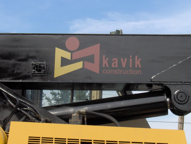Kavik crane vehicle graphics