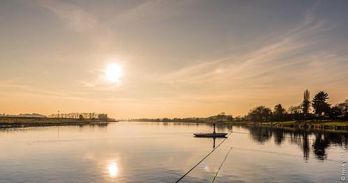 kessel nl nederland netherlands buiten outdoor winter beesel limburg rivier river maas zon sun sunset zonsondergang