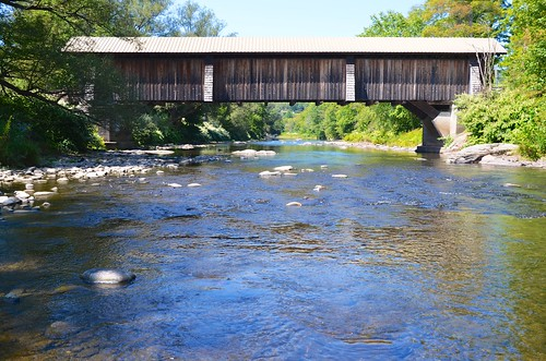 2016 coveredbridge livingstonmanor bridge river creek september2016 afsdxvrzoomnikkor18105mmf3556ged