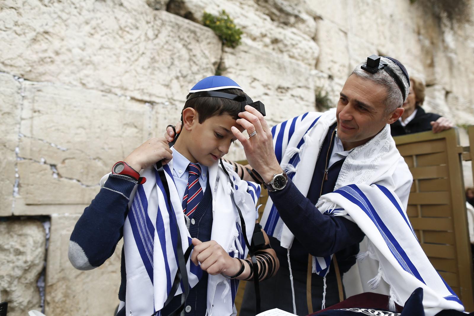 Bar Mitzvah 20_Jerusalem_Y9A9694_Yonatan Sindel_Flash 90_IMOT