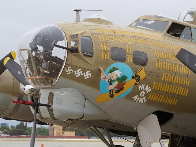 B-17_Nine-O-Nine_0549