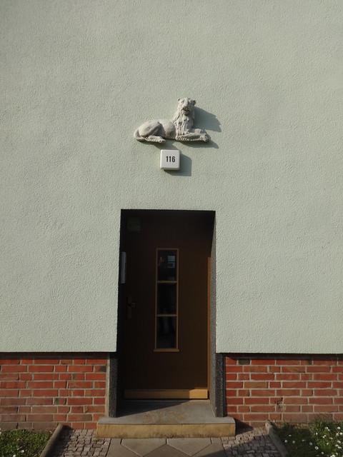 1934/38 Magdeburg Tür mit Bauschmuck Wohnanlage Große Diesdorfer Straße 116 in 39110 West