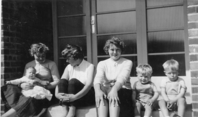 1957 - 01 - Nana Gash, Maxine, Jean, Val, Grahame and Steven