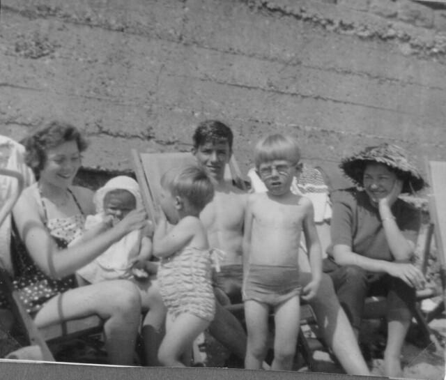 (l to r) Mum, Debbie, Graham, Dad, Steven and Jan