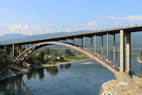 canada britishcolumbia brilliant archbridge kootenayriver canadianbridge brilliantbridge deckarch centralkootenaydistrict ribbeddeckarch