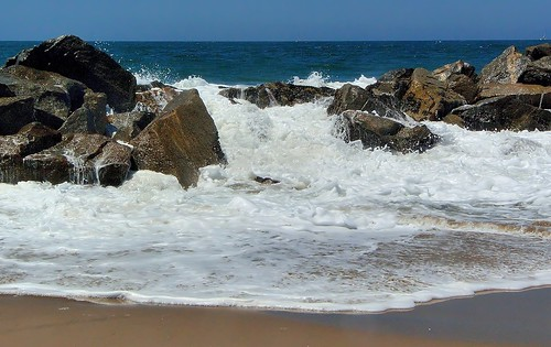 ocean california beach water sand rocks santamonica pacificocean foam venicebeach foamy breakwater joelach