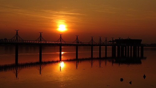sunset orange water reflections river landscape pier spring poland polska wisła
