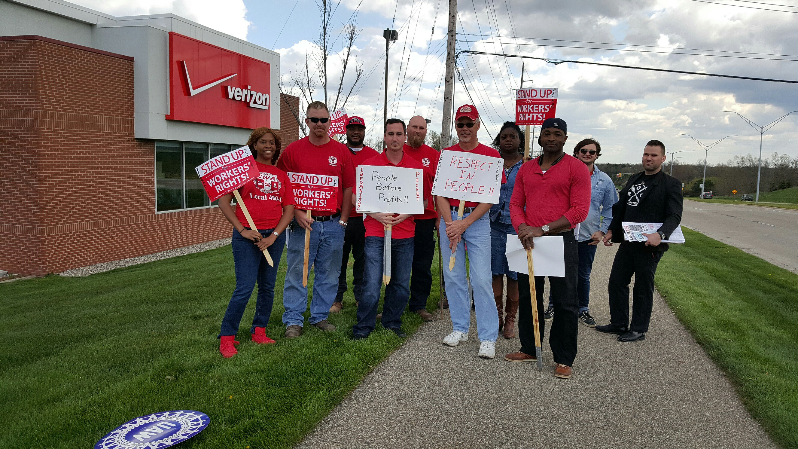 pontiac-store-picket1 (2)