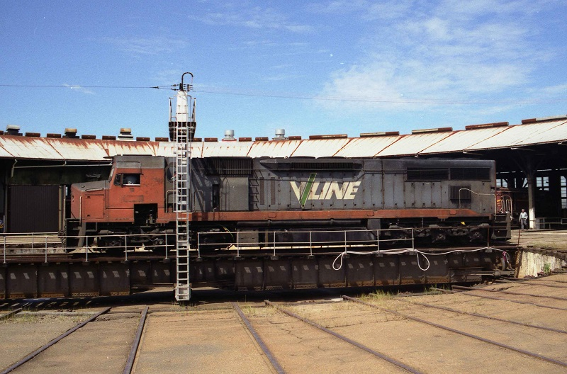 C506 turning at Junee Roundhouse by David Arnold