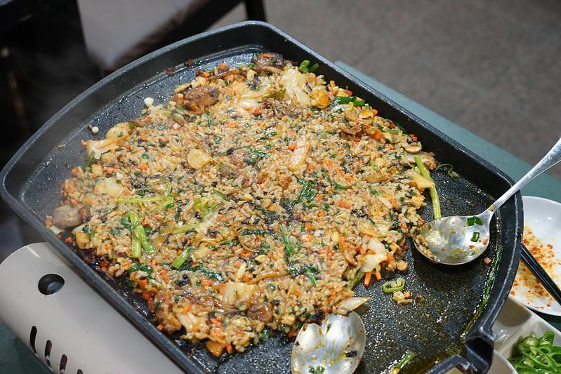 ジャガルチ市場_焼き飯