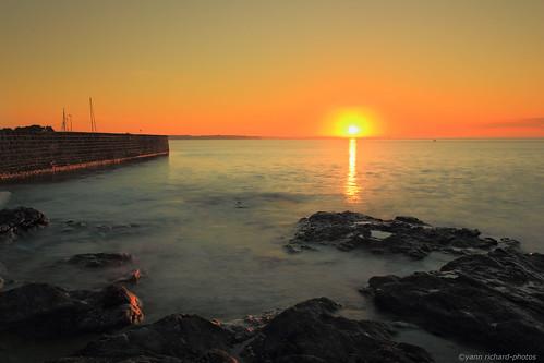 light sunset sea sky mer port sunrise landscape harbor twilight brittany lumière bretagne coastline morbihan