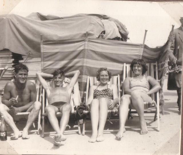 1959 - 03 - Johnny, Ron, Val and Joyce