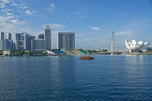 Marina Bay of Singapore with Arts and Science Museum, Singapore Flyer, Formula 1 stands, Mandarin Oriental hotel and Pan Pacific hotel