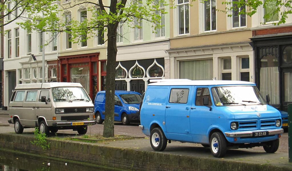 1977 Bedford CF 97170 OG & 1984 Volkswagen Transporter 1.9 (T3)