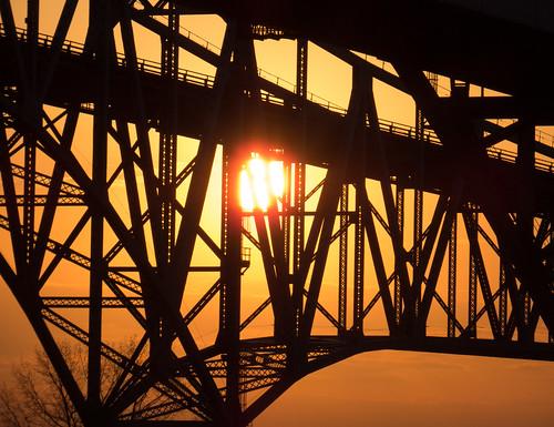 us unitedstates michigan greatlakes lakehuron stclairriver bluewaterbridge porthuron