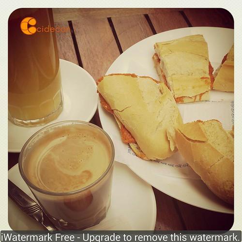 Desayuno con componentes y colores #Cidecan15 . Piensa en naranja. | by Pedro Baez Diaz @pedrobaezdiaz