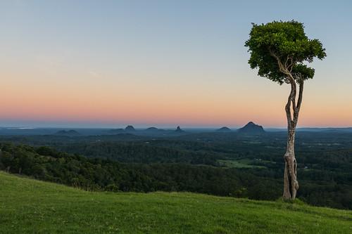 australia glasshousemountains maleny queensland sunshinecoast dusk outlook sunset view goldenhour