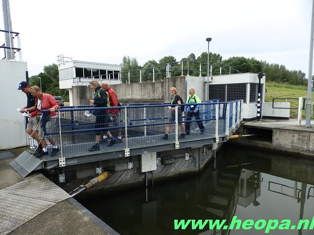 2016-06-11        Almeerdaagse     5e dag 42.5 Km (14)