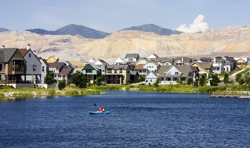 Summer Canoe on the Oquirrh Lake in Daybreak Utah | DeanAndrew.com on