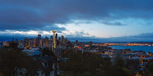 seattle kerrypark spaceneedle city downtown morning cliche iconic waterfront elliotbay pacificnorthwest canoneos5dmarkiii sigma35mmf14dghsmart queenanne washington
