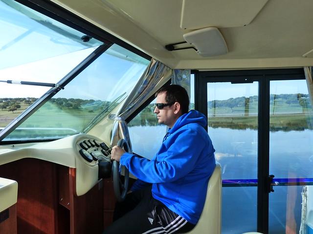 Sele en el barco-casa del Lago Alqueva (Alentejo, Portugal)