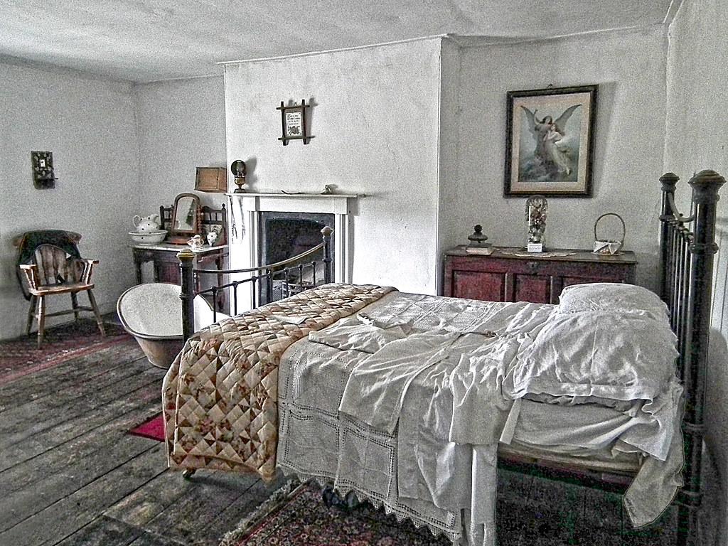 Granny bed com