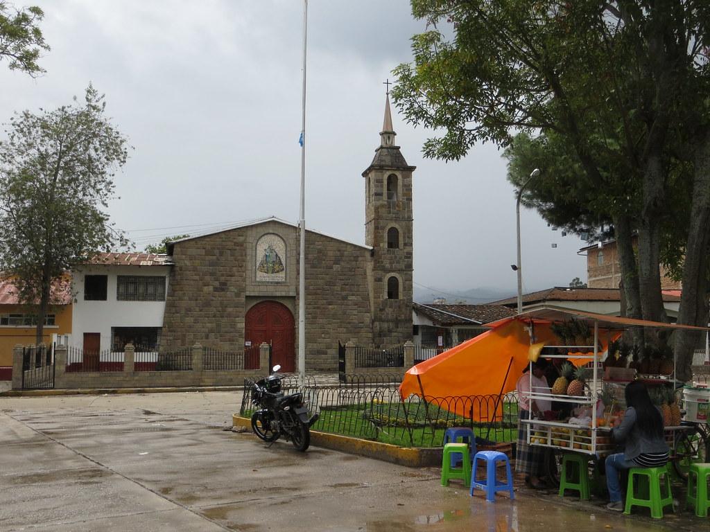Banos Del.Banos Del Inca Iglesia Nuestra Senora De La Natividad Flickr