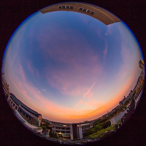 sunset cloud clouds canon dusk taiwan fisheye 夕陽 台灣 高雄 815 6d 魚眼 色溫 夕彩 前鎮高中 魚眼鏡頭 前中