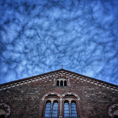 San Simpliciano under a Blue cloudy sky  #Milano #milamo #igersmilano #sky #cloudporn #lookingup #perspective #archidaily #love #photooftheday #amazing #instalike #igers #picoftheday #instadaily #instafollow #followme #instagood #bestoftheday #instacool # | by Mario De Carli