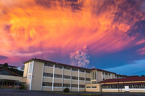 calbuco volcano eruption @sunset (april 22, 2015)