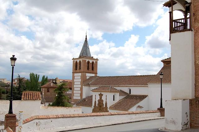Iglesia de Santiago and the Palacio Real in Guadix