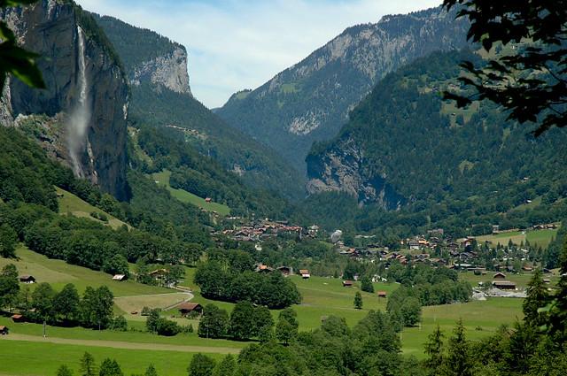 Lauterbrunnen Valley Lauterbrunnen Valley Switzerland Ta Flickr