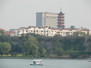Nanjing - Xuanwu lake | by Marc van der Chijs