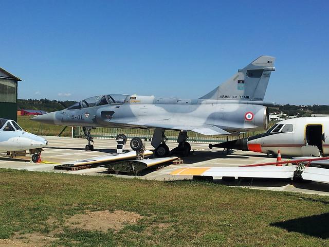 Mirage-2000B 516/5-OL ex EC-5 FrAF. Awaiting preservation. Montelimar-Ancone,10-08-2012.
