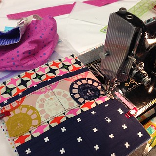 Working hard on my #cottonandsteel wallet at #sewsouth Thanks @lrstitched it's a great pattern!  @pellonprojects #pellonatsewsouth